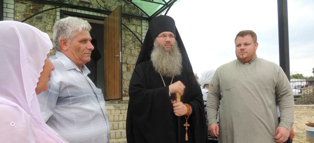 Божественнуая литургия в храме Святой Троицы в х. Рябовский.