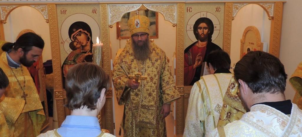 Освящение Никольского надвратного храма в Усть-Медведицком Спасо-Преображенском женском монастыре.