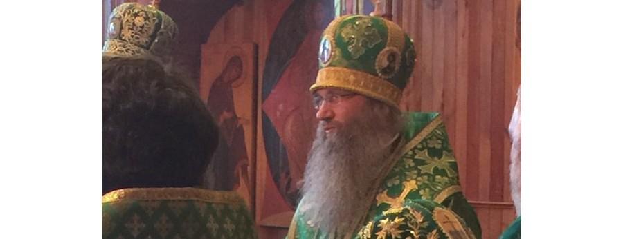 Божественная литургия в Свято-Духовом мужском монастыре.