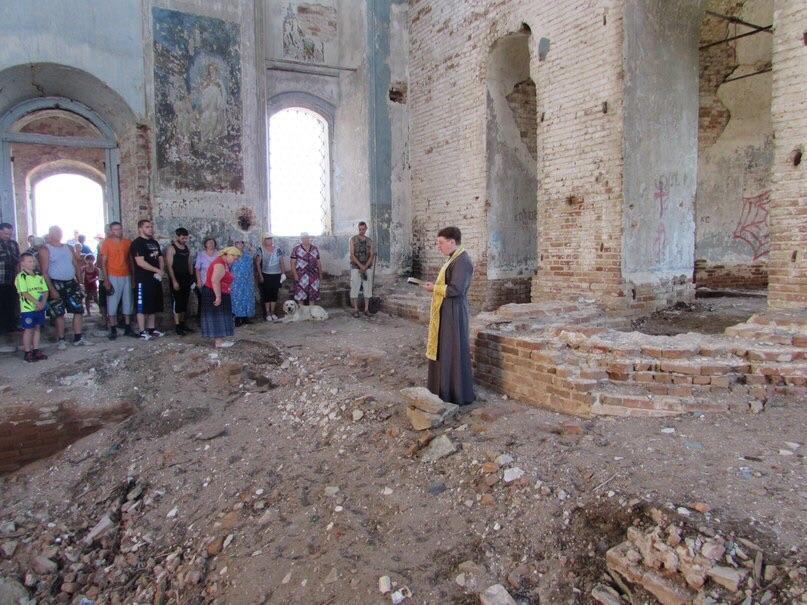 Молебен перед началом всякого доброго дела в храме Архистратига Михаила.