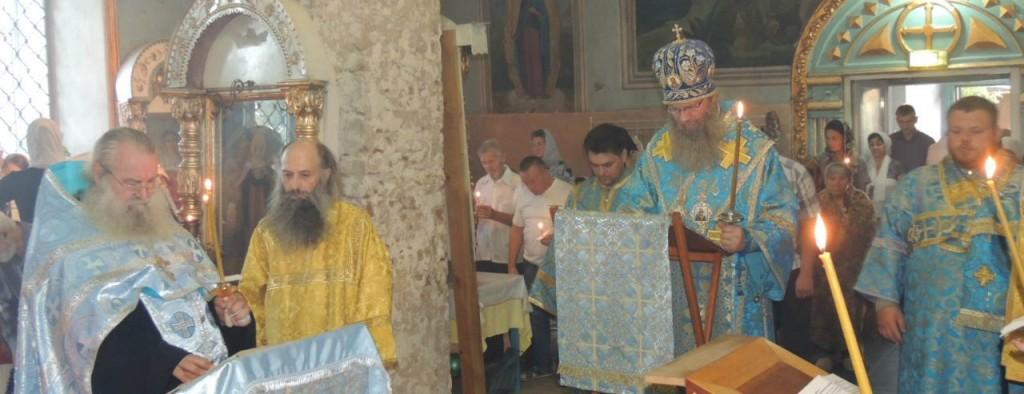 Утреня с чином погребения Божией Матери (Похвалы Пресвятой Богородицы) в Покровском кафедральном соборе