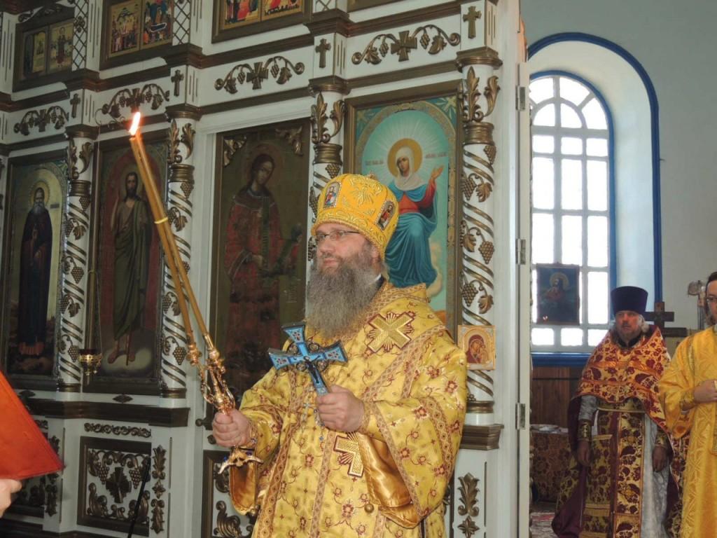 Божественная литургия в храме Богоявления Господня.