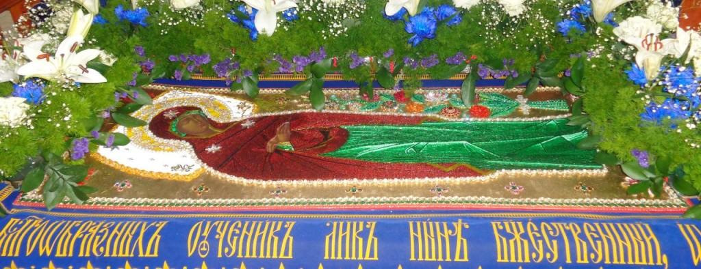 Утрення с чином погребения плащаницы Пресвятой Богородицы в Покровском кафедральном соборе
