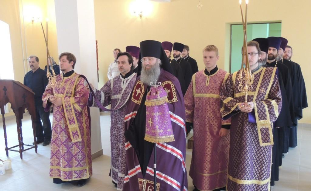 Божественная литургия Преждеосвященных Даров в день архиерейской хиротонии.