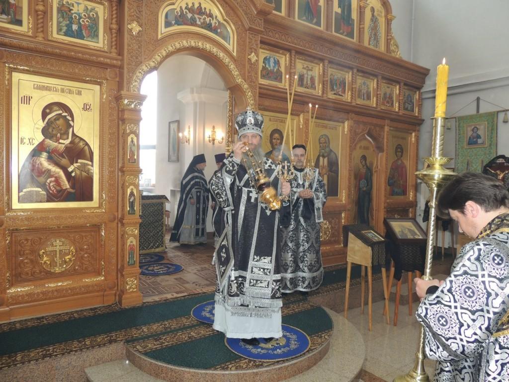 Божественная литургия преждеосвященных Даров в храме прп. Серафима Саровского.