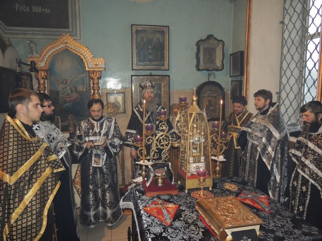 Вечернее богослужение с Чином Пассии, в Покровском кафедральном соборе.