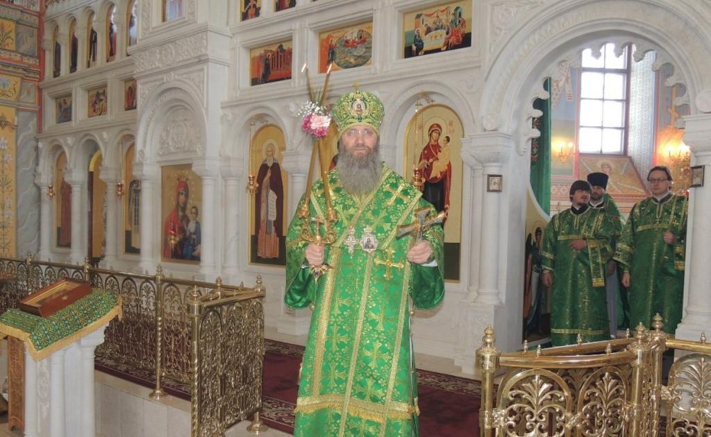 Праздничная Божественная литургия в Усть-Медведицком Спасо-Преображенском женском монастыре.