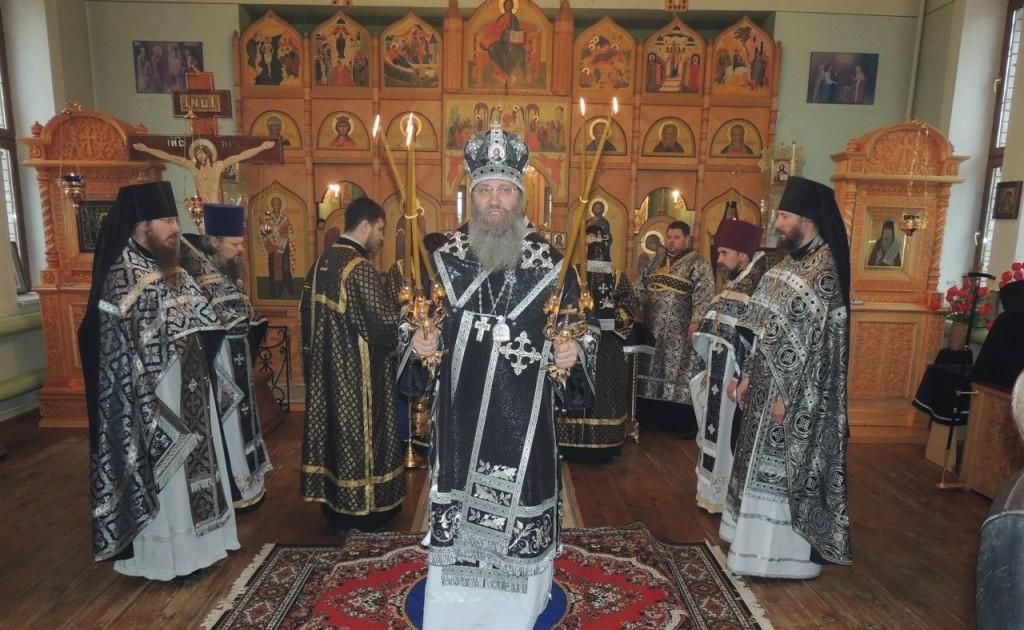 Божественная литургия Преждеосвященных Даров в Гусевском женском монастыре в честь Ахтырской иконы Божией Матери.