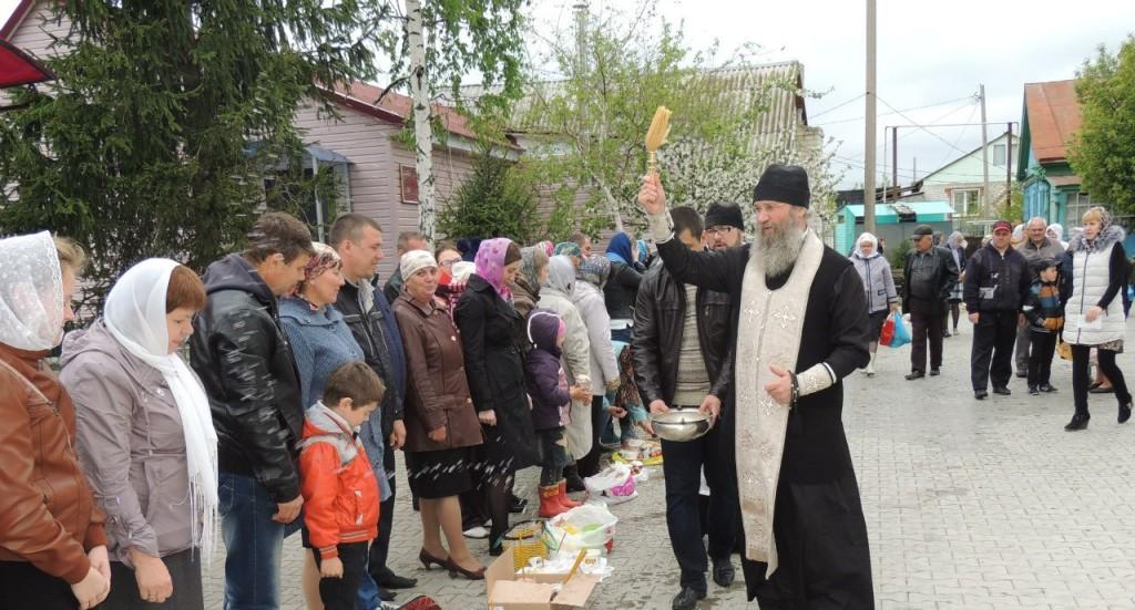 Посещение приходов города Урюпинска в Великую субботу.