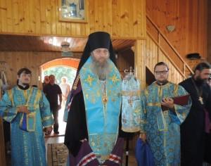 Праздничное Всенощное бдение в храме Казанской иконы Божией Матери.