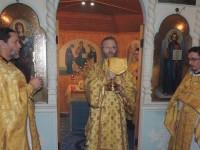 Божественная литургия в храме Покрова Пресвятой Богородицы.