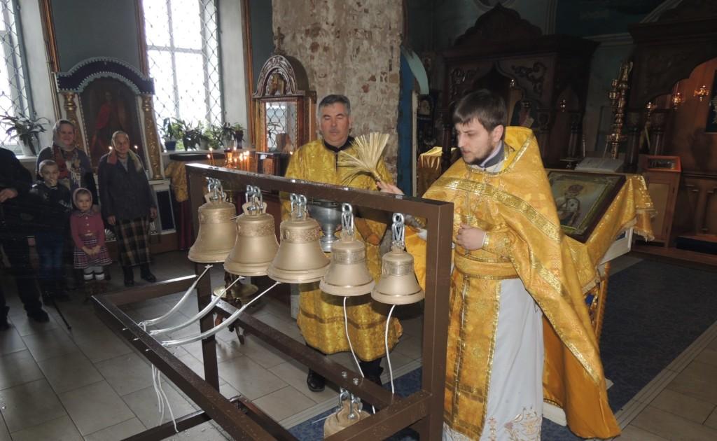 Детская Божественная Литургия в кафедральном соборе Покрова Пресвятой Богородицы.