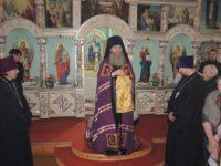 праздничная Божественная Литургия в храме Трех Святителей в с.Ольховка