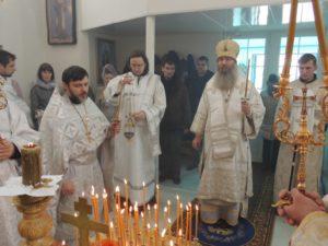 Божественная литургия в храме свт. Михаила первого митр. Киевского (на кладбище) в г. Михайловке