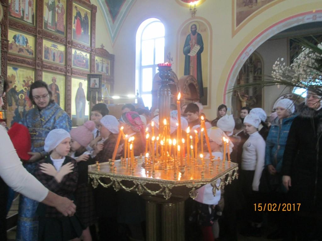Детская Божественная литургия в честь праздника Сретения Господня в Богоявленском храме г.Фролово.
