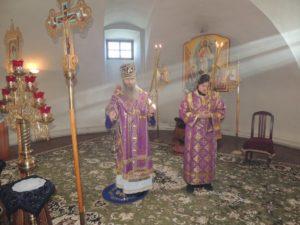 Божественную литургию Усть-Медведицком Спасо-Преображенском женском монастыре г. Серафимовича.