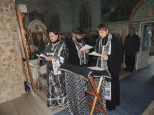 Уставное богослужение в Покровском кафедральном соборе города Урюпинска