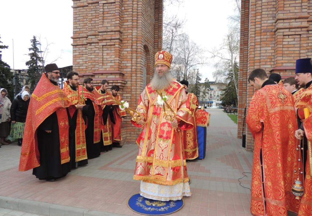 В Урюпинск доставлен Благодатный огонь.