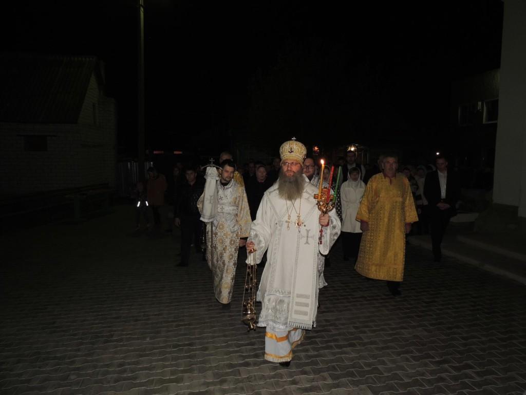В праздник Светлого Христова Воскресения епископ Елисей возглавил торжественное Пасхальное богослужение.