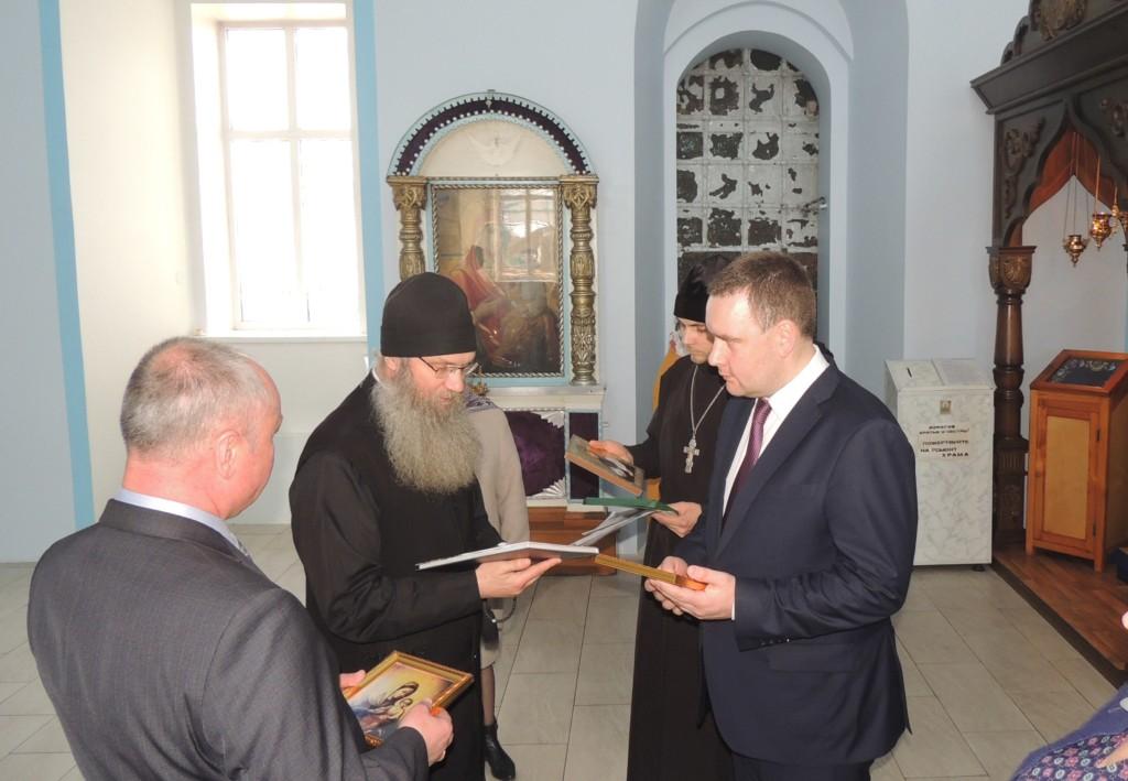Заместитель губернатора — председатель комитета культуры Волгоградской области посетил г. Урюпинск с визитом.