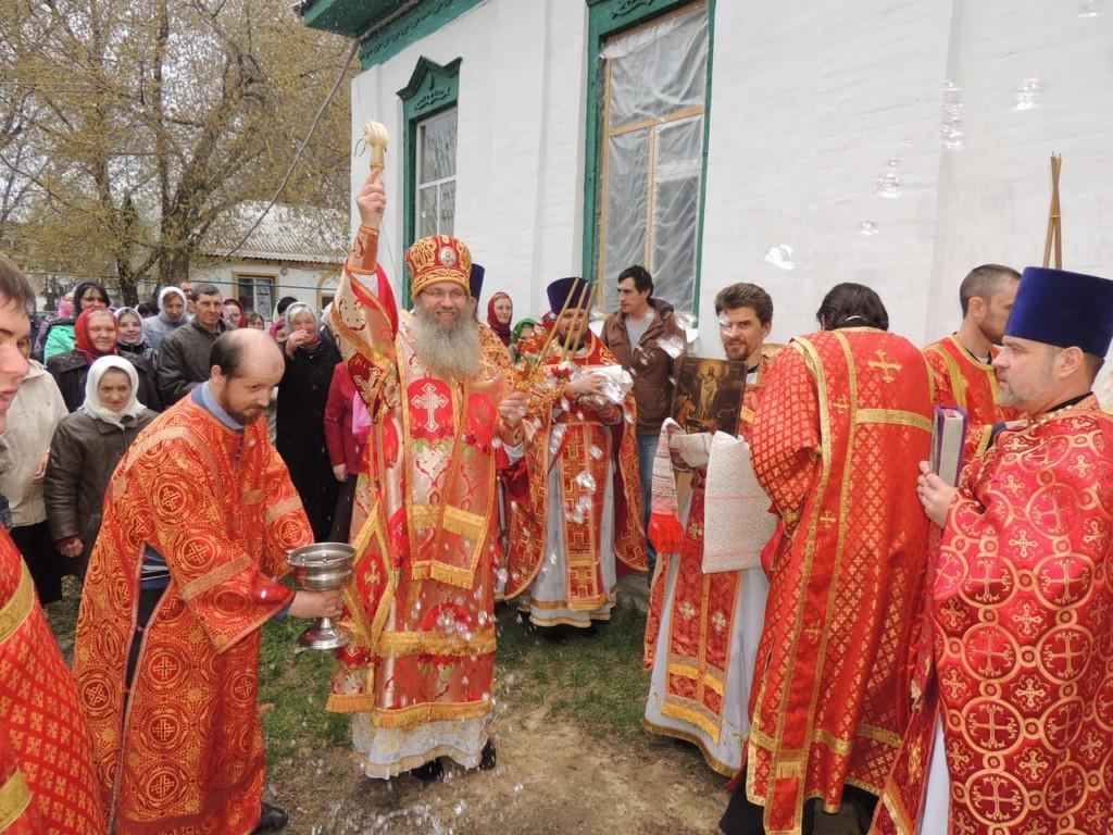 Служение Епископа Елисея в понедельник Светлой седмицы.