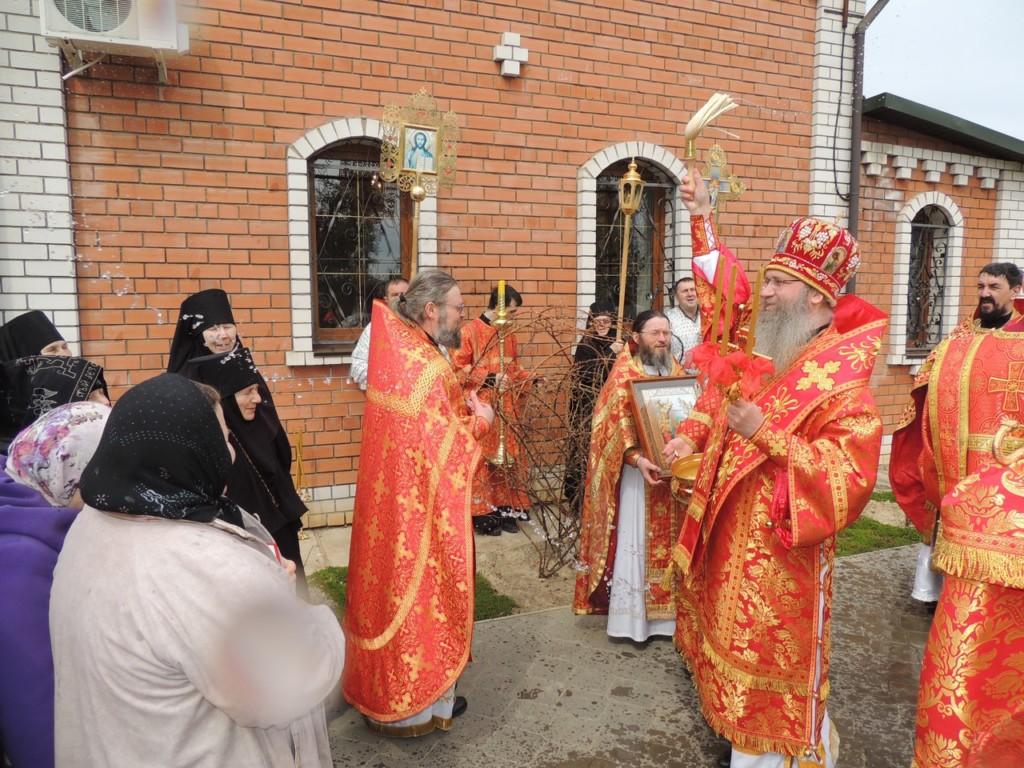 Служение епископа Елисея в пятницу Светлой седмицы.