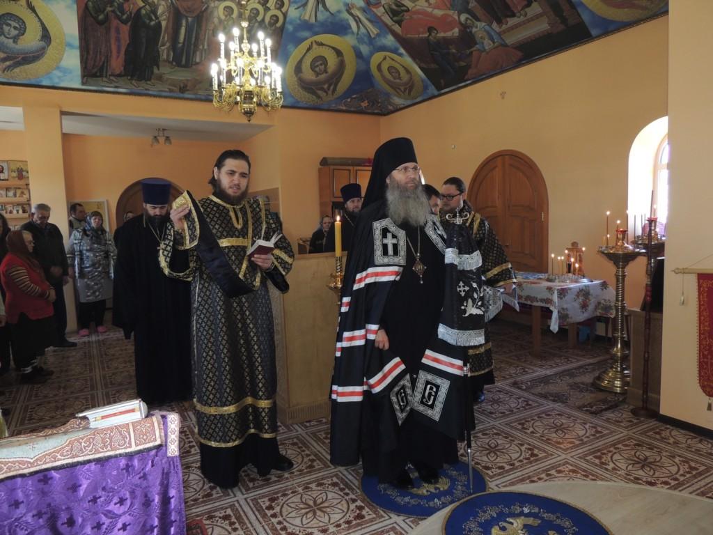 Служение епископа Елисея в среду 6-й седмицы Великого поста.