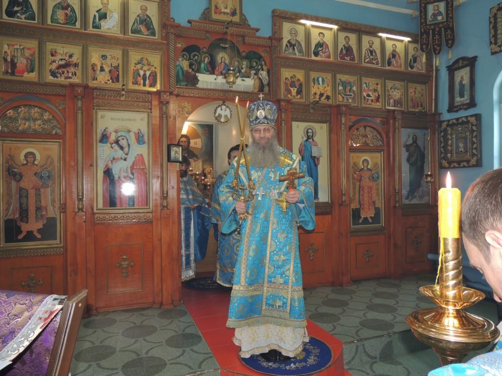 Служение епископа Елисея в субботу 5-й седмицы Великого поста.