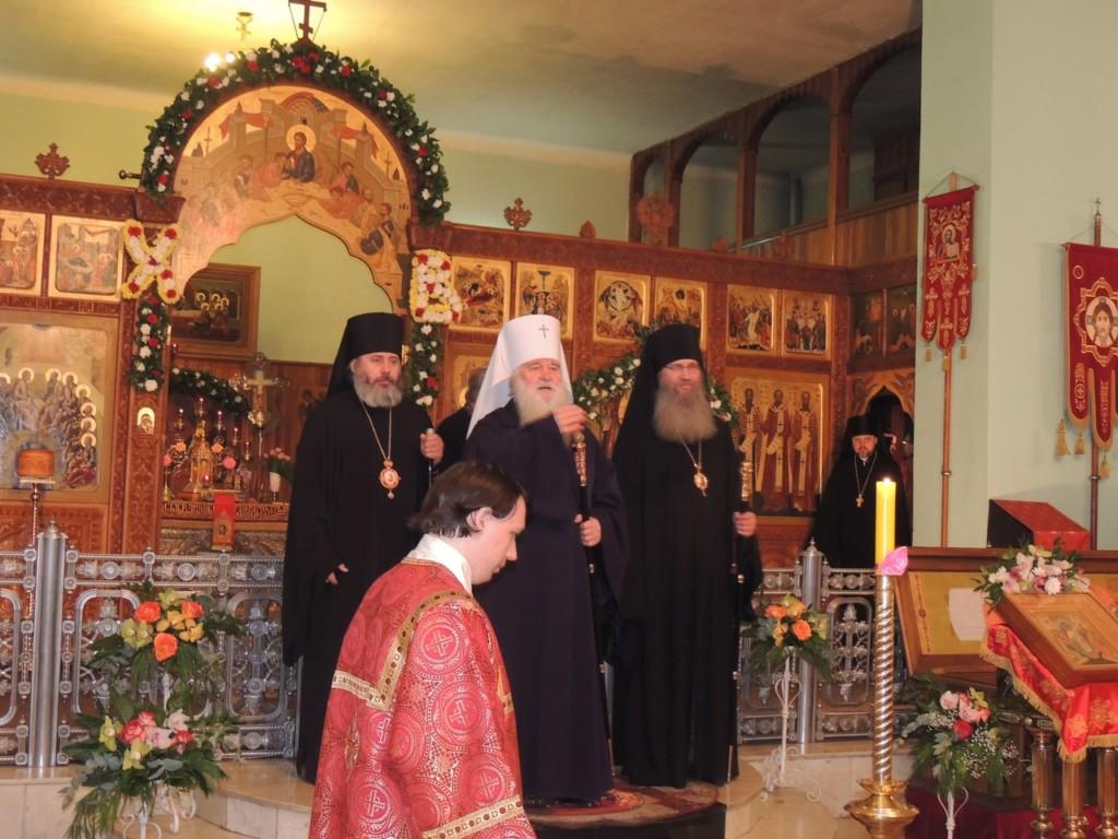 В Свято-Духовом мужском монастыре состоялось соборное архиерейское богослужение.