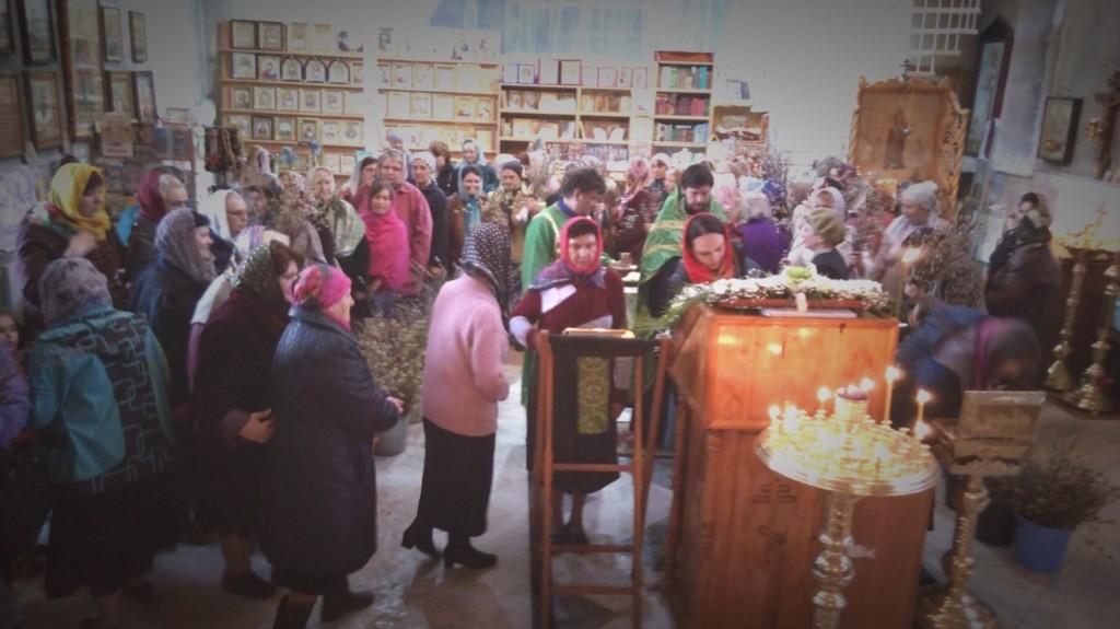 Праздничное всенощное бдение в храме Святого Духа Утешителя.