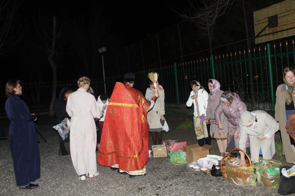 Праздничное пасхальное богослужение в Храме Святаго Духа Утешителя, города Жирновск.