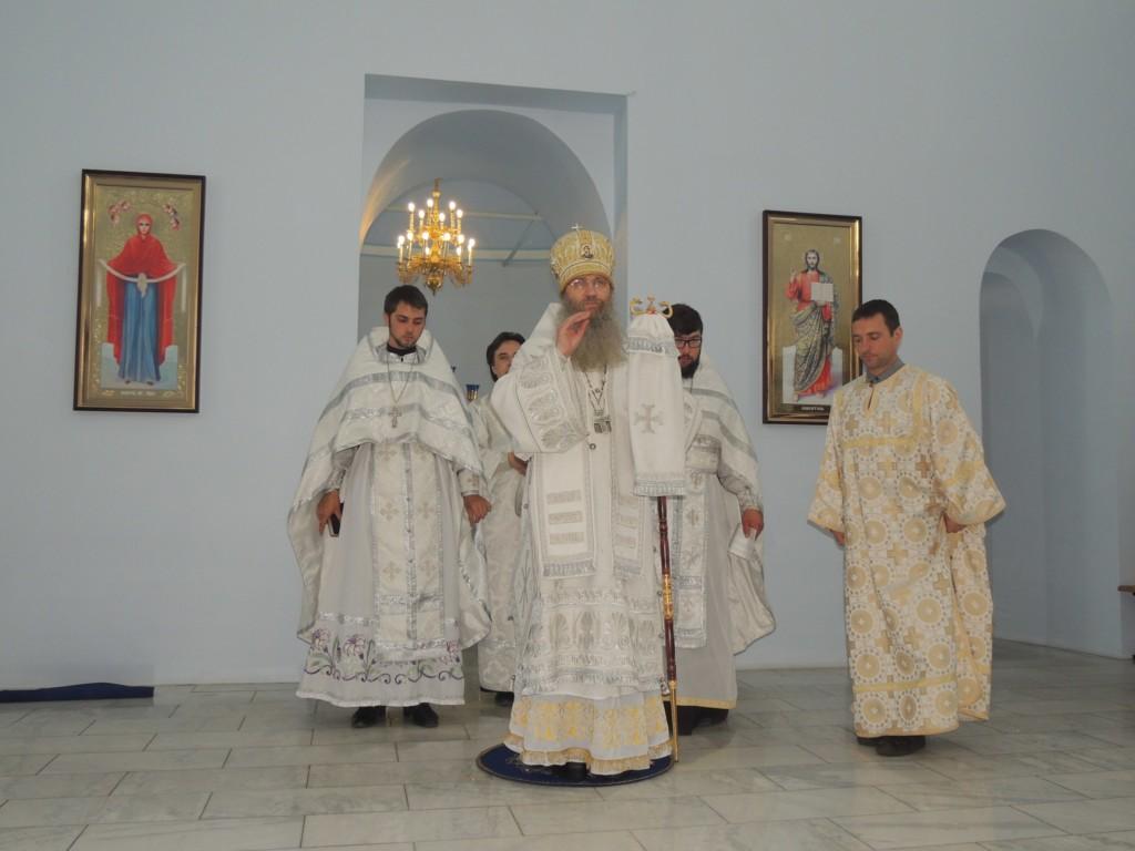 В праздник Вознесения Господня епископ Елисей возглавил служение Божественной литургии в Покровском кафедральном соборе г. Урюпинска.