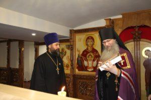 В этот день архипастырь поздравил настоятеля храма протоиерея Бориса Ермакова с днем Его тезоименитства.