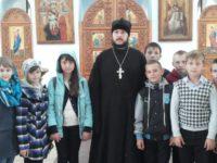 Учащиеся Нижнедобринской средней школы посетили храм Рождества Христова.