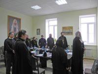 Расширенное заседание епархиального совета Урюпинской епархии с участием руководителей отделов и благочинных.