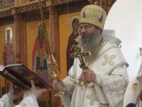 Божественная литургия в храме Троицы Живоначальной п. Красный Яр.