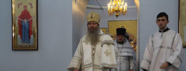 Божественная литургия в сослужении епархиального духовенства в Покровском кафедральном соборе г. Урюпинска.