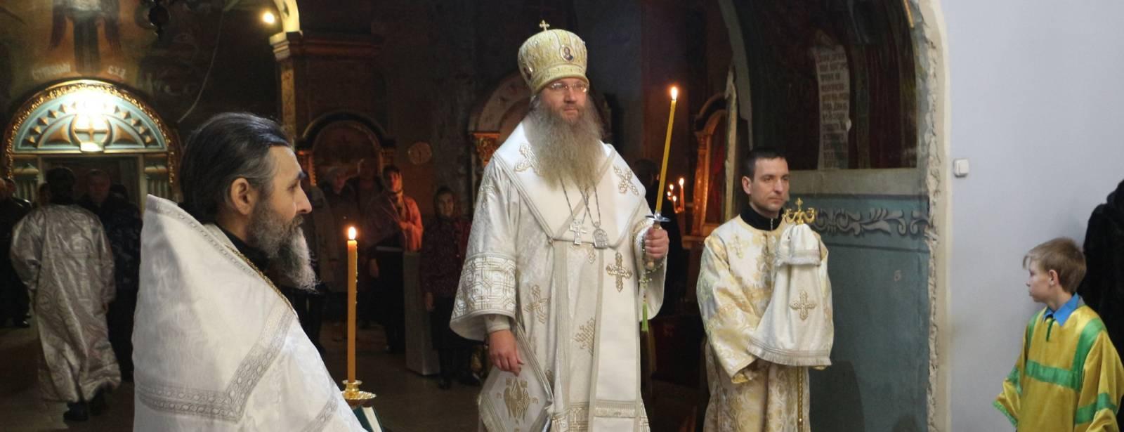 Служение епископа Елисея в канун дня памяти Свт. Филиппа в Покровском кафедральном соборе г. Урюпинска.
