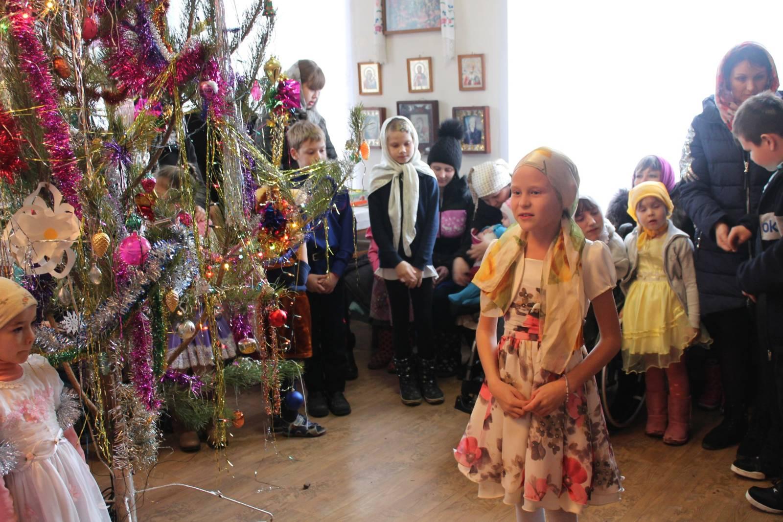 Рождественская елка в храме Святителя Николая станицы Усть-Хоперской.