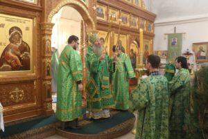 Божественная Литургия в храме в честь Прп. Серафима Саровского