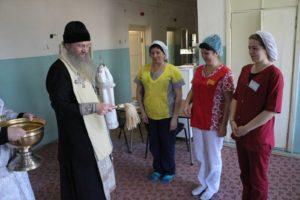 Владыка Елисей посетил Урюпинскую ЦРБ