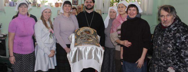 "Фотогалерея ""Акафист иконе Божьей Матери Троеручица"""