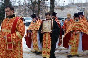 Божественная литургия в храме Святых новомучеников в г. Волжском