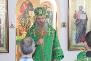 Божественная литургия в храме прп. Исаака Сирина г. Новоаннинского.