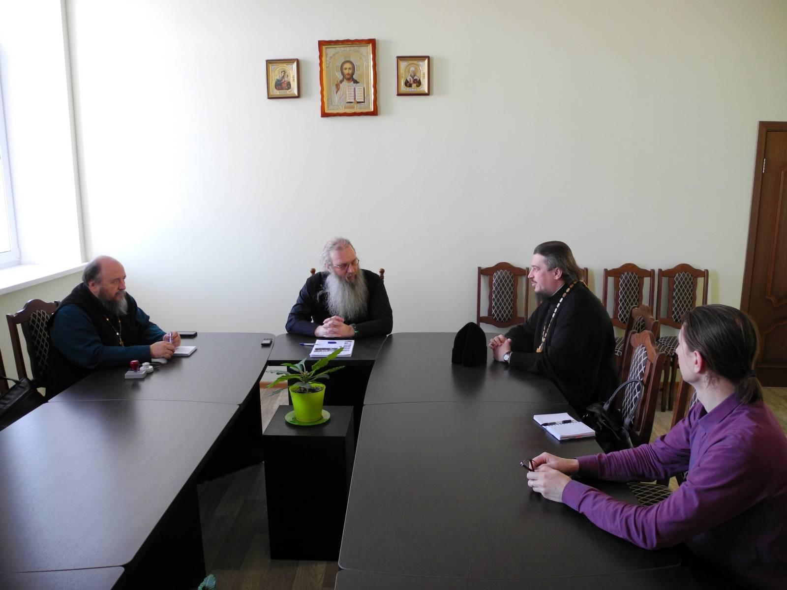 Заседание редколлегии в епархиальном управлении под председательством епископа Урюпинского и Новоаннинского Елисея.