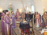 Божественная литургия в храме Сретения Господня в ст. Михайловской.