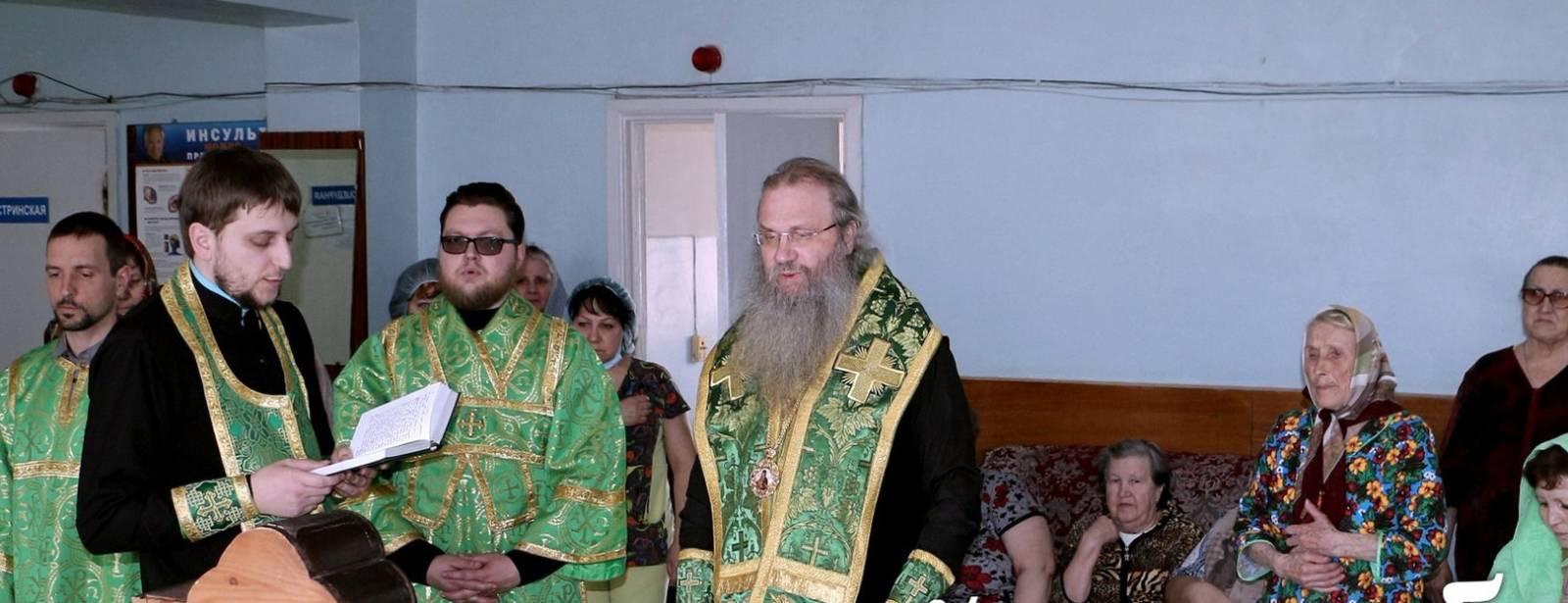 Список чудотворного образа Урюпинской иконы Божией Матери посетил отделение терапии ЦРБ г. Урюпинска.