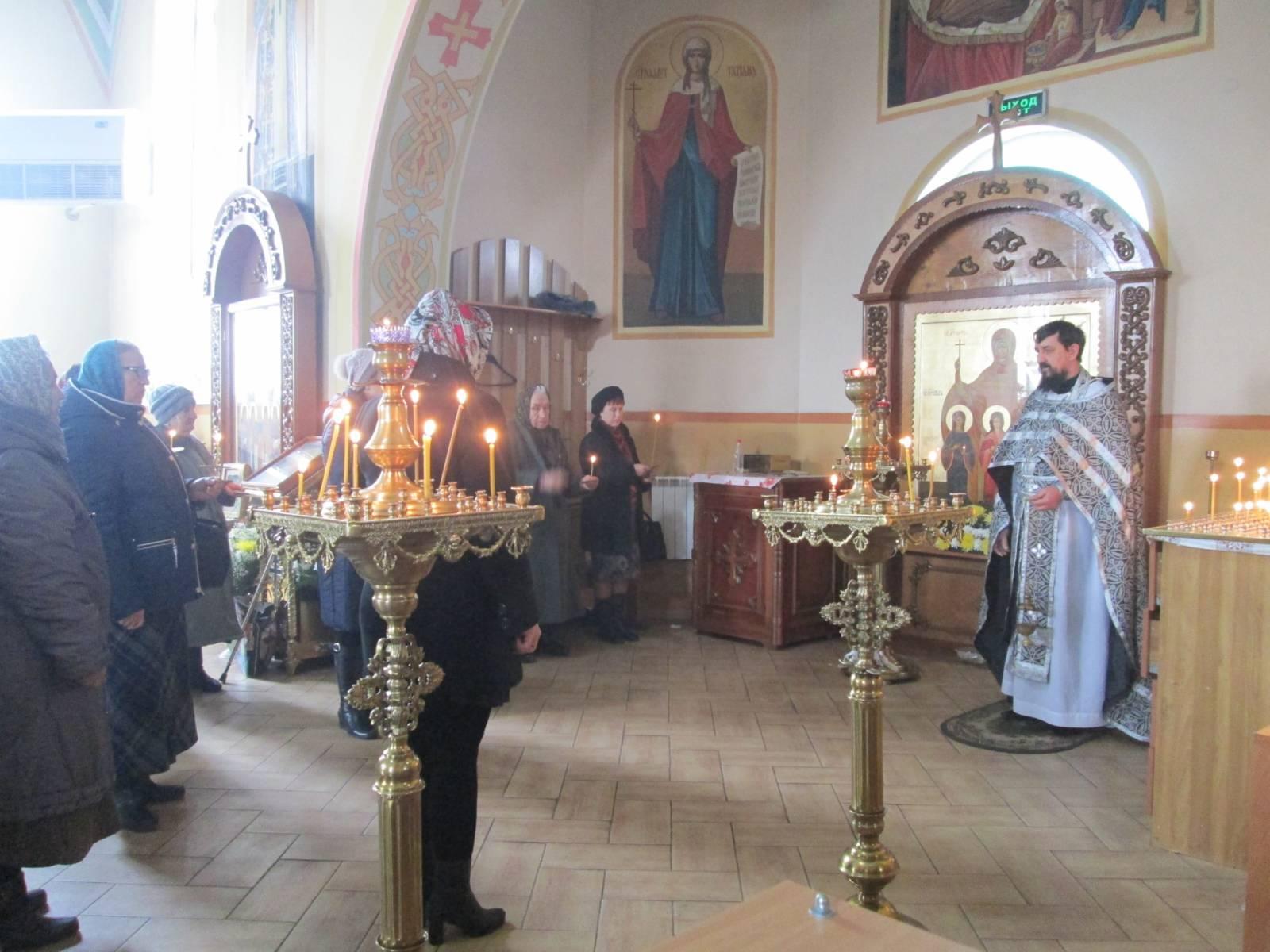 Заупокойная лития в Богоявленском храме г. Фролово.