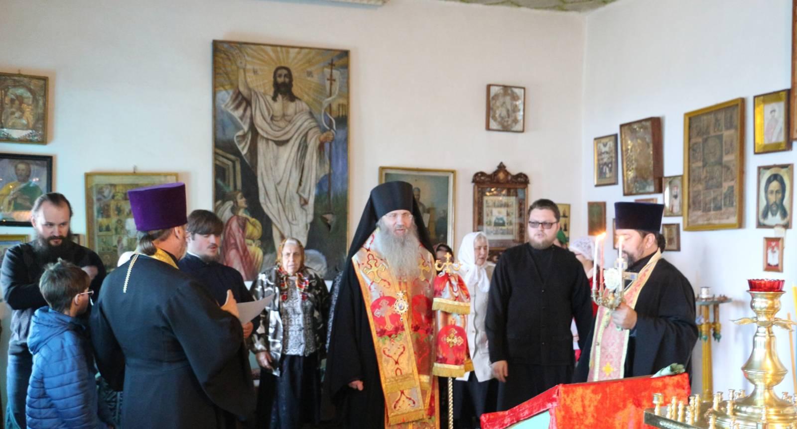 Епископ Елисей посетил приход Живоначальной Троицы села Лемешкино.