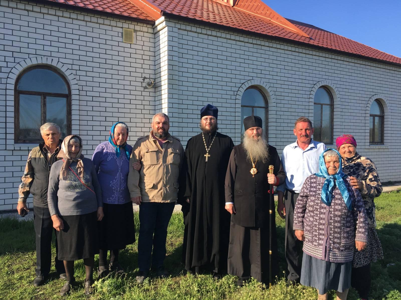Епископ Елисей посетил приходы Серафимовичского благочиния в Кумылженском районе.